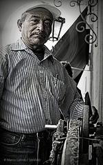 El Afilador (Marco Galindo / SenWeb) Tags: trabajo random cara retratos caras rostro perdidos edad experiencias rostros afilador senweb