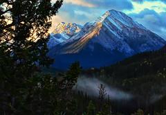 First Light Near Banff (Jeff Clow) Tags: landscape albertacanada banffnationalpark ©jeffrclow banffphototour jeffclowphototours