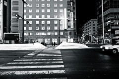 undecided (reinetor) Tags: street people snow japan composition eos sapporo asia hokkaido transit  5d 24mm activity undecided  strolling mark3 primelens 5dmk3 ef24f14l ef24l
