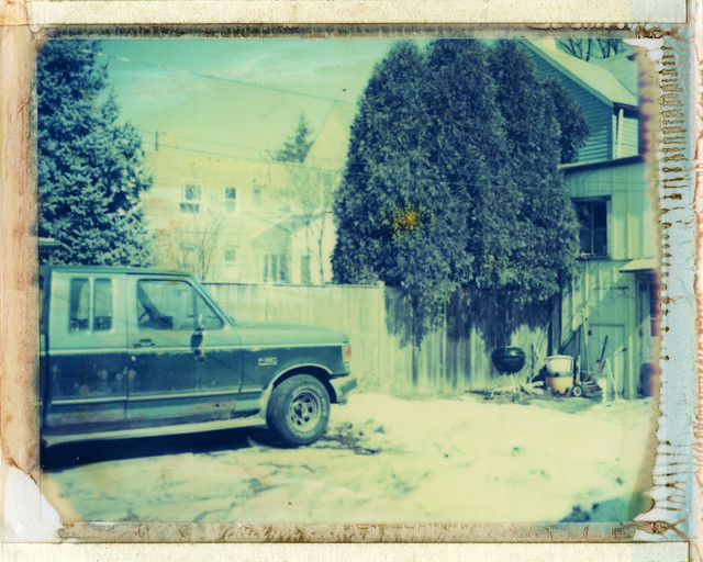 chicago yard truck polaroid illinois midwest pickup instant lincolnsquare 195 type669 expired092004