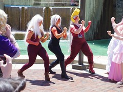 (magnet_terp) Tags: vacation sculpture water cosplay baltimore otakon conventions bcc innerharbor baltimoreconventioncenter mckeldinfountain stevenuniverse otakon2015 otakon22 profountain