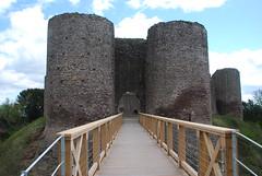 Drawbridge (Dick Dangerous) Tags: uk white castle wales gate britain drawbridge brecon beacons moat turrets powys