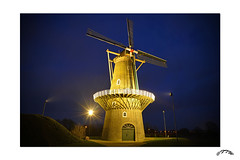 Gorinchem-De Hoop 2014. (@FTW FoToWillem) Tags: longexposure holland mill night moulin mhle nikon blauw nightshot nacht nederland molino paysbas molen mulino moinho niederlande zuidholland 1870 gorinchem mlle ftw pabrik gorcum greatphotographers walmolen nachtopname  gorkum sfeerverlichting fotowillem muelejo 0183 blauweuurtje d5200 worldtrekker   blauwuurtje gurrecum