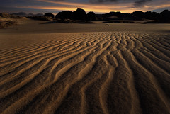 Tassili du Hoggar/Algerije - Zonsondergang in de woestijn.