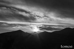 Montaa Palentina (Natalia Lozano) Tags: light bw espaa sun mountain blancoynegro luz sol monochrome clouds spain bn nubes montaa palencia moncromo