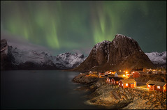N o r w a y (jeanny mueller) Tags: norway norge norwegen arctic winter lofoten hamnoy reine northernlights aurora auroraborealis eliassen rorbuer stars night landscape clouds mountain seascape