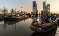 Laundry at the Rotterdam (Wim Boon (wimzilver)) Tags: rotterdam havensteder redapple haven harbor holland nederland netherlands canoneos5dmarkiii canon canonef1635mmf4lisusm zonsondergang sunset