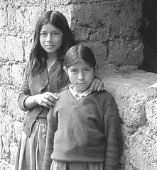 PERU' TREKKING 1978 (ADRIANO ART FOR PASSION) Tags: ricordi bn bw sudamerica ragazze girl perù ande villaggio vilcabamba monocromo