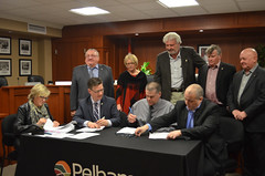 Pelham Minor Hockey Association Signing User Agreement