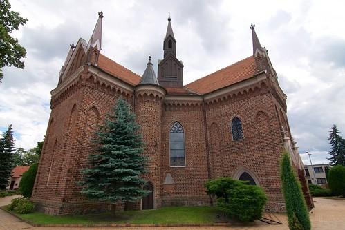 Kościół św. Andrzeja w Gosławicach od północnego zachodu