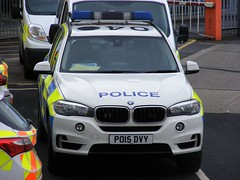 5358 - Lancs Police - PO15 DVY - 061 (Call the Cops 999) Tags: uk gb united kingdom 999 112 emergency service services vehicle vehicles lancashire police constabulary 101 policing law enforcement burnley saturday 1 april 2017 bmw x5 xx4 station rpu road traffic unit po15 dvy