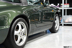 964targa-56 (Wax-it.be) Tags: roof detail reflection green shine convertible porsche gloss cabrio waxing perfection speedster targa detailing 964 swissvax waxit