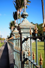 The iron gate bordering Iolani Palace near the State Capitol (chadyosh) Tags: hawaii downtown oahu district palace capitol honolulu iolani