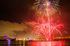 I like fireworks (geminivision) Tags: sky night river fireworks louisville july4th independenceday priya swapna vamsi ravuru