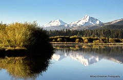 Sisters (Gary Grossman) Tags: morning lake snow mountains oregon sisters reflections landscape cascades peaks cascademountains