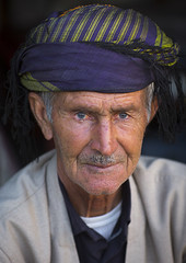 Kurdish Old Man, Paveh, Iran (Eric Lafforgue) Tags: people colour men vertical closeup outdoors asia adult iran headscarf middleeast persia moustache males ukrainian adultsonly pers oneperson frontview keffiyeh headandshoulders kurdish senioradult traditionalclothing humanhead humanface traveldestinations colorimage iraan lookingatcamera  onemanonly  persien islamicrepublicofiran 1people  iro  ir westernasia  humanbodypart   frs      belarusian iran iran1178