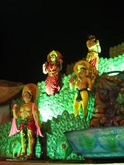 Durga festival in Delhi (PepaLand) Tags: india portraits canon delhi indian markets festivals ixus retratos 105 olddelhi chowk jamamashid indianstreetphotography indianportraits travelinindia streetartphotography exploringindia portraitslife delhichandni delhiinindia retratosenindia