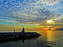 Brilla el mar (Antonio Chacon) Tags: españa atardecer mar andalucia costadelsol puestadesol málaga marbella
