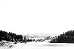 Winter landscape (Johanna2110) Tags: winter bw snow cold building forest finland fields salo vision:outdoor=099