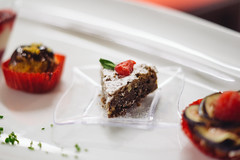 Pastel miniatura (Moy Triana) Tags: food azul postre mexico dessert restaurant desert sweet chocolate comida foodporn helado restaurantes lamansion cereza mairena lagoleta moytriana grupogin