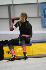 2B5P0742 (rieshug 1) Tags: 500 3000 tilburg 1500 1000 nk dames schaatsen speedskating eisschnelllauf junioren junb nkjunioren ireenwustijsbaan gewestnoordbrabantlimburgzeeland