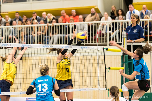 "3. Heimspiel vs. Volleyball-Team Hamburg • <a style=""font-size:0.8em;"" href=""http://www.flickr.com/photos/88608964@N07/32776827646/"" target=""_blank"">View on Flickr</a>"