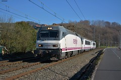 252 (firedmanager) Tags: renfe renfeoperadora railtransport tren train trena intercity arco caminodesantiago ferrocarril 252 siemens locomotora locomotive