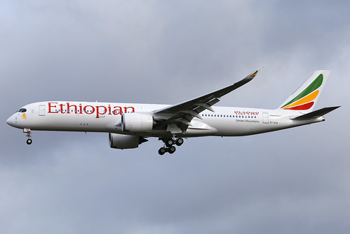 Ethiopian_A359_ET-ATQ__LHR_20170223_Approach_no sun_1712_Colormailer_Flickr