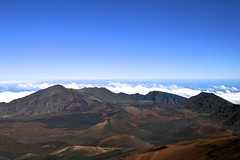 Sky Waves (willemite51) Tags: volcano hawaii haleakala caldera cindercones