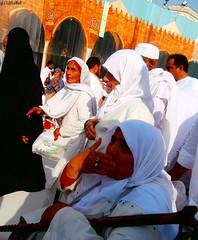 Tαwαf ❤ طواف (gLySuNfLoWeR) Tags: muslim islam pray muslimah salam umrah kaba tawaf allahuakbar tavaf طواف
