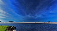 Tons de Azul - Blue tones! (mateuspabst) Tags: santa blue sky praia beach azul day wind clear pabst santacatarina catarina ceu mateus enseada prai saofranciscodosul mateuspabst