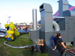 Blow up factory (Passetti) Tags: music netherlands up festival dance lowlands nederland culture tent pop blow muziek polder flevoland cultuur 3voor12 nachtleven uitgaan biddinghuizen 2013 opblaas dansmuziek lastfm:event=3365431
