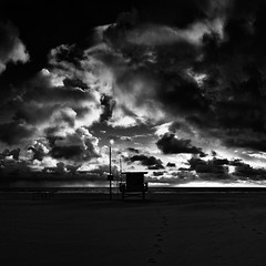 ave 26. venice beach, ca. 2013. (eyetwist) Tags: ocean california venice winter sunset bw white black postprocessed tower beach water monochrome silhouette clouds contrast photoshop silver square la stand blackwhite losangeles los amazing sand nikon exposure surf waves pacific wind angeles lifeguard hut pacificocean socal filter venicebeach nik rays nikkor capture incredible processed cloudporn baywatch goldenhour westla postprocessing ofw ang