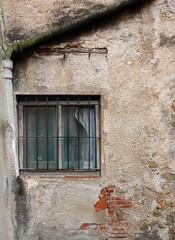 VERGES - la finestra (beagle34) Tags: ventana finestra catalunya empord verges baixempord sonyrx100