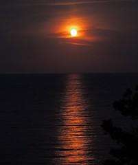 Bagheria - Aspra, Capo Zafferano (Giovanni Valentino) Tags: mare luna capo piena sicilia bagheria zafferano aspra mongerbino