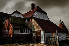 Louis' cottage (P. Marion) Tags: england storm nikon cottage d200 pm marione