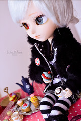 Sweet prince (Cutie Disease) Tags: party white cute punk babies candy time tea fluffy retro cupcake blond memory sweets pullip johan isul tiphona