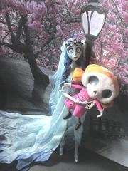 Corpse Bride Emily and Skeleton Girl (SnowBite) Tags: emily corpsebride mcfarlane junplanning skeletongirl