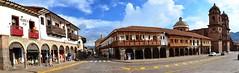 Esquina de la Plaza de Armas, Cusco, Per (cnoriega) Tags: plaza peru calle arquitectura nikon cusco panormica tradicional empedrado adoquinado virreinal d5100 {vision}:{outdoor}=099 {vision}:{sky}=0903 {vision}:{clouds}=0729 {vision}:{car}=0554 {vision}:{street}=0518