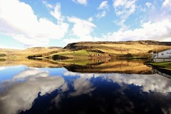 Dovestone Reservoir to Chew Reservoir (3) (Missy Jussy) Tags: england sky clouds canon reflections skyscape landscape nationalpark reservoir lancashire oldham boathouse highpeak saddleworth dovestone cannon600d pennnes