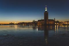Stadshus (Jaime Prez) Tags: sunset tower water agua torre sweden stockholm townhall sverige puestadesol estocolmo suecia ayuntamiento