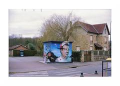 "(""Que la bte meure"") Tags: film analog graffiti 135 coluche manualfocus argentique nikonfa kodakportra160 fixedfocal nikkor50mm14ai focalefixe"