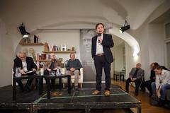 Večer věnovaný odkazu Josipa Plečnika uvedl Michael Žantovský. (Knihovna Vaclava Havla) Tags: putna žantovský plečnik