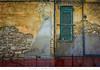 Ortona - Magnifica Trasandezza (Andrea di Florio (9.000.000 views!!!)) Tags: andreadiflorio abruzzo abitazione popolare ortona chieti finestra finestre vecchio vecchia casa imposte sbarrate windows