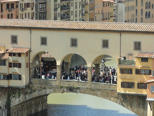Close-up of centre of Ponte Vecchio