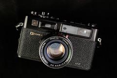 Yashica Electro 35 GT (Abram Goglanian) Tags: analog rangefinder filmcamera cameraporn extensiontube yashinon yashicaelectro35gt strobist canoneos5dmarkiii 5dmkiii 5d3 sigma85mmf14