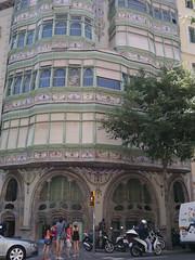 P1040944 (zest for life) Tags: barcelona madrid architecture spain bilbao gaudi guggenheim lasagradafamilia casabatllo parkguell casamila