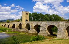 El pont de Fras / The bridge of Fras (SBA73) Tags: bridge tower rio river puente torre medieval pont ebro brcke middleages riu castilla fortified ebre castillaleon fras lasmerindades puentefortificado