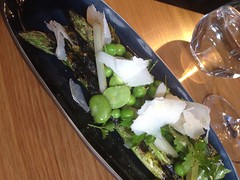 "Grilled asparagus, broad beans, manchego <a style=""margin-left:10px; font-size:0.8em;"" href=""http://www.flickr.com/photos/30579997@N08/12555435694/"" target=""_blank"">@flickr</a>"