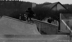 Grind en montant (H.benoit.photographie) Tags: park monochrome sepia nikon bmx freestyle sigma nb skate skater 70300mm 1770 vtt 70300 rampe luxambourg trottinette 1770mm d7000
